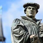 """변화를 의미하는 개혁 – <br> 종교 개혁에 관한 생각들 <span><font size=""""+1""""> 2016 11월 </font></span>"""